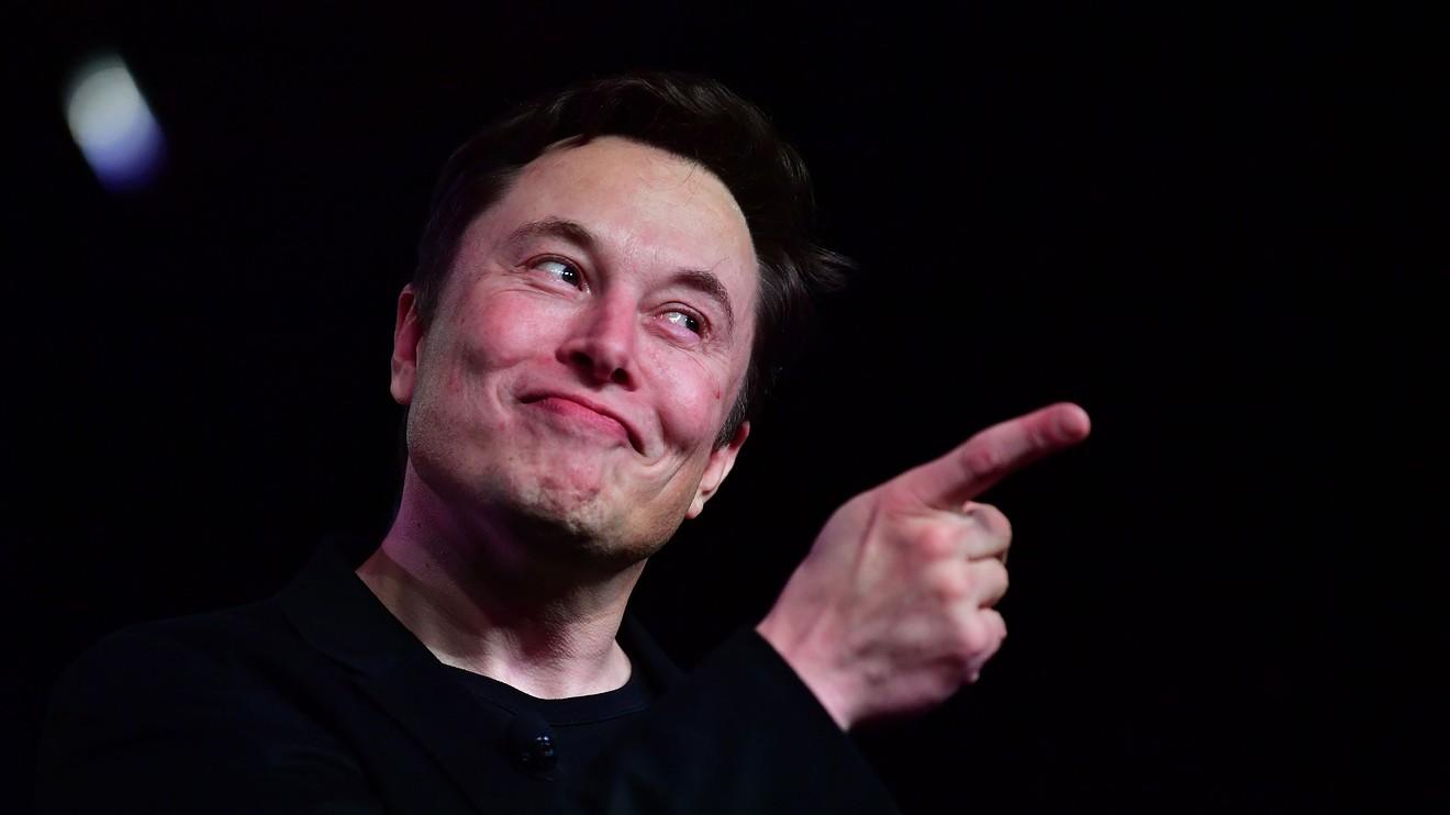 Elon Musk quita el puesto del hombre más rico del mundo a Jeff Bezos